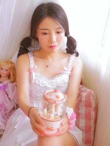 甜美少女娇娇俏粉嫩少女心私房写真