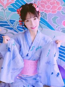 日系私房内的和服妹子清爽美艳写真