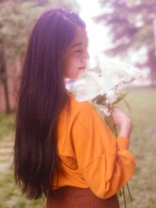 复古气质百合花香成熟韵味美女靓丽写真