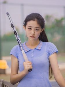 马尾少女网球青春活力十足