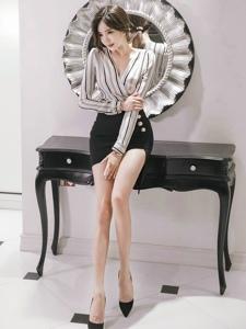长腿包臀裙美女模特条纹上衣漂亮脸蛋