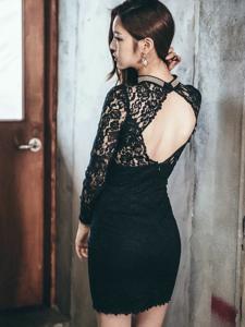 露背蕾丝裙美模秀完美身材性感娇羞