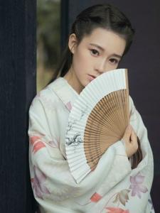 古装汉服美女清丽淡雅娇柔写真
