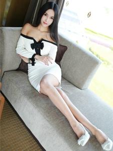 妖娆美女一字肩美腿高跟高挑妩媚写真