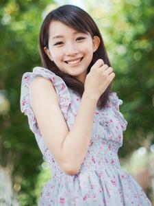 清新美女甜甜笑容清纯阳光活力十足