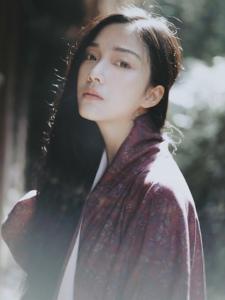 漂亮的素颜日系美女私房浴衣忧郁写真