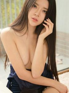 小清新美女文艺性感养眼裹身裙半裸捂奶诱惑