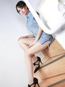 私房肉丝美女的旗袍高跟美腿诱惑写真