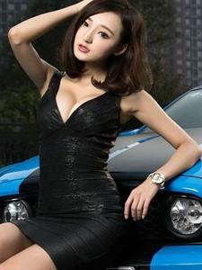 福特野马GT性感长腿车模街头火辣激情写真