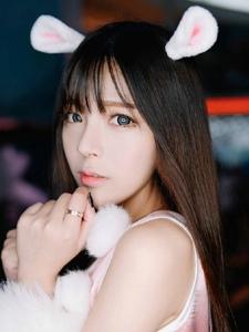 甜美少女私房兔子装俏皮诱惑写真