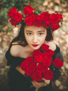 冷艳美女森林温馨唯美写真