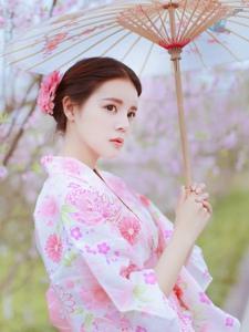 小脸美女日系和服唯美迷人写真