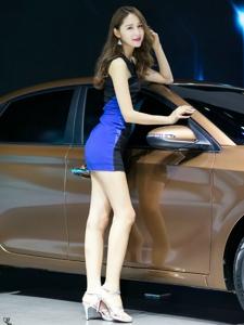 细腿高跟美女车模白皙气质高挑诱惑迷人
