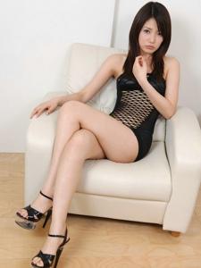 性感黑丝网丁字裤女郎美腿长发魅力十足