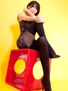 美女模特黑丝高跟写真美腿极致诱惑写真