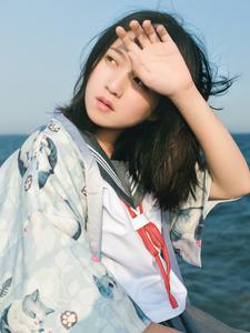 美女学生妹海边温馨写真清纯阳光动人
