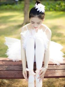 性感丝袜美女舞蹈阳光唯美写真