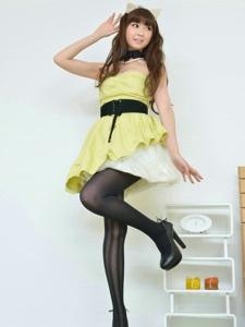猫女郎黑丝短裙写真美腿诱人写真