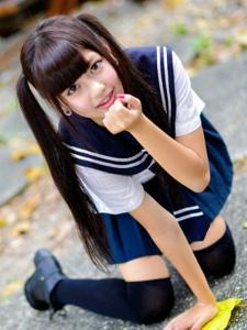 双马尾制服学生妹自拍户外写真尽显清纯诱惑