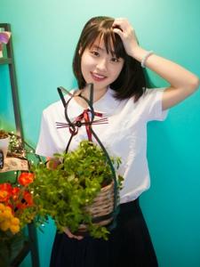 短发学生妹私房制服甜美写真可爱迷人