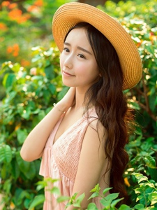 清纯少女户外长裙甜美迷人写真