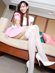 私房女神sara女佣白丝装美腿高跟诱惑写真