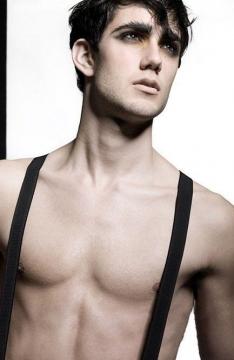 有意思的法国男模(Guillaume Varki )24K纯帅魅力