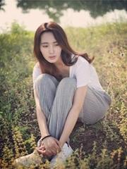 王紫璇韩范夏日写真曝光 笑容甜过初恋