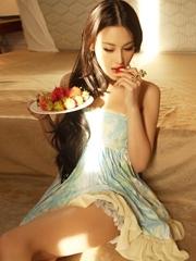 明星模特张馨予性感丰乳魅惑撩人