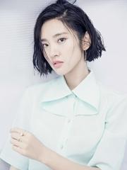 唐艺昕曝夏日写真 网友称赞最美国民初恋