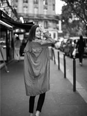 高晓菲曝伦敦街拍 黑白大片演绎另类时尚