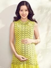 准妈妈章泽天拍孕期写真 幸福满溢