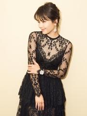 刘涛蕾丝薄纱映衬婀娜身姿 优雅迷人