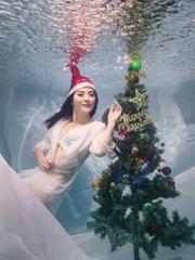 那年圣诞节我们在水下