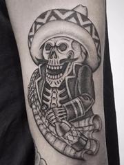 多款很酷的黑灰色纹身图案来自西蒙娜