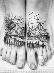 各种黑色点刺风格山林图案纹身来自托马斯