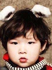 韩式可爱男生蘑菇头发型