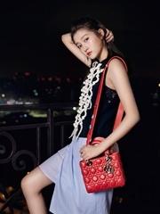 关晓彤演绎Dior 2017早春系列新品