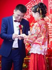 幸福而感动的婚礼