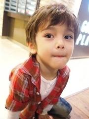 小男孩帅气头型图片