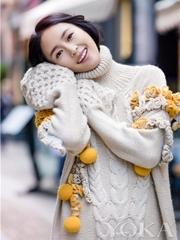 童瑶漫步时尚之都 鬼马萌笑如初冬暖阳