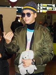 陈伟霆潮装抵达机场 开启巴黎时尚之旅