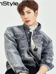 韩国杂志王嘉尔画报图片