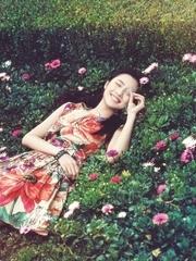 张慧雯一组暖春系列大片