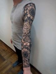 男士创意花臂百花盛放纹身图案