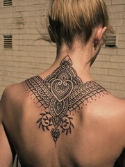 经典的黑色曼陀罗图案纹身几何花纹身图案