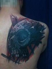 男生肩背超酷帅气的欧美骷髅纹身图案
