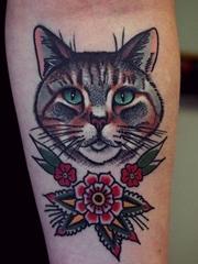 明亮大胆的传统风格植物花和动物图案纹身