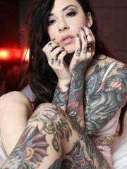 性感美女全身魅力图腾纹身图片
