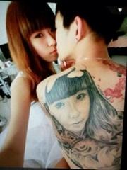个性情侣肖像背部刺青图片